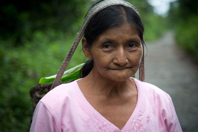 Una mirada integral de  las mujeres  en el conflicto